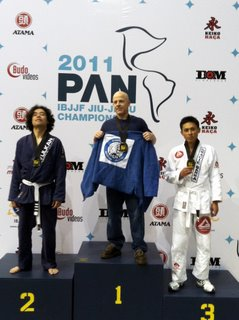 Mark Huls wins gold at the 2011 Pan Ams.